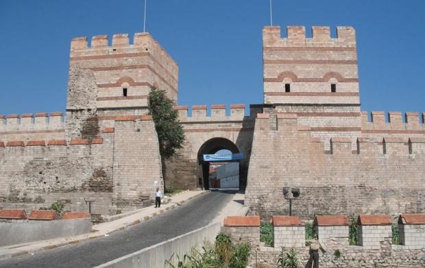 Београдска врата на цариградској тврђави