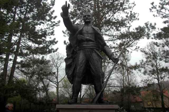 Карађорђев споменик у селу Вишевац