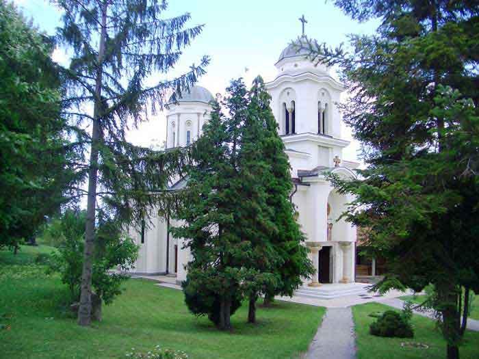 Манастир у Дивостину посвећен Благовестима