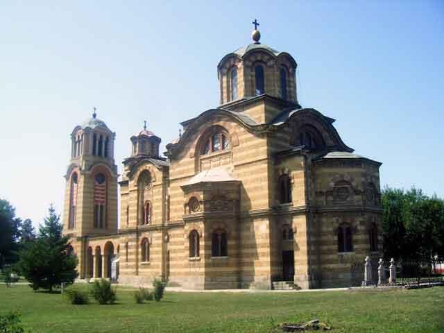 Црква Св. Параскеве у Лапову