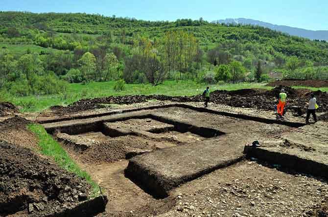 Археолошко налазиште Поље, село Глоговац
