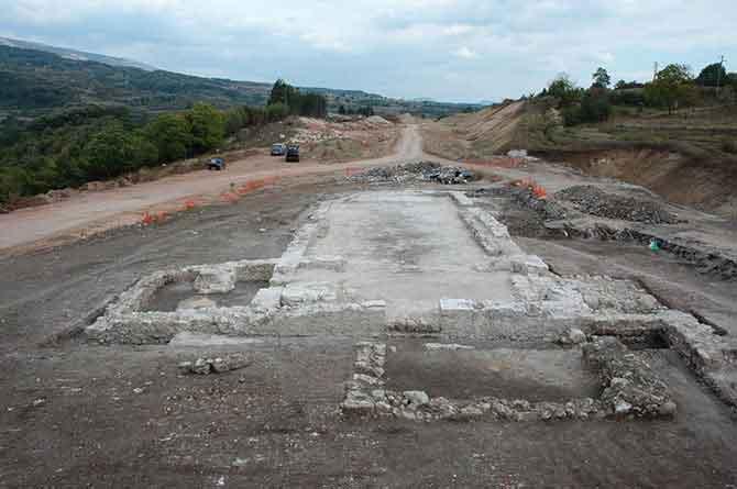 Базилика код села Шпај, откривена па затрпана приликом изградње Коридора 10